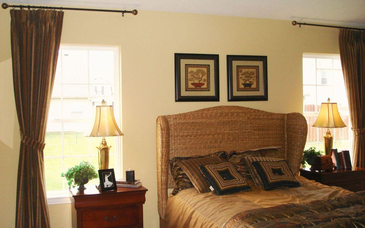 Aranżacje mieszkania z wykorzystaniem poduszek dekoracyjnych i jaśków